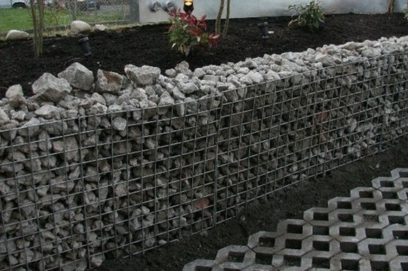 Simple retaining wall design