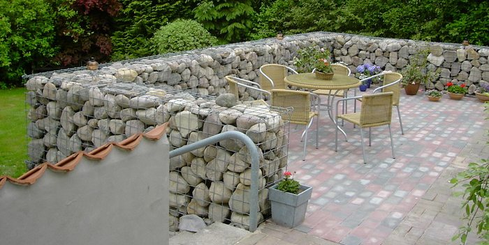 Floating pumice rocks island 300 miles long and more for Landscaping rocks pinellas county