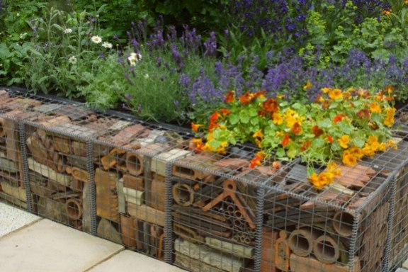 Garden Retaining Wall Ideas United Kingdom 24 - garden wall designs uk